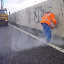 Olievlek verwijderen beton